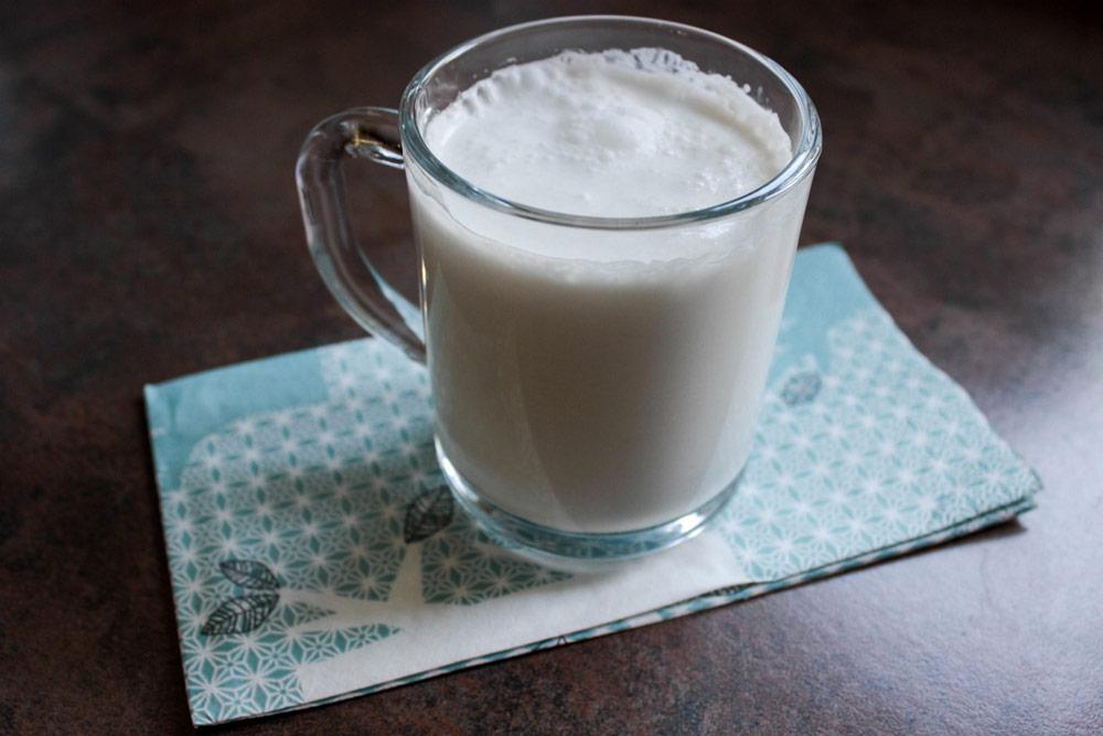 Pohár kokosového mlieka