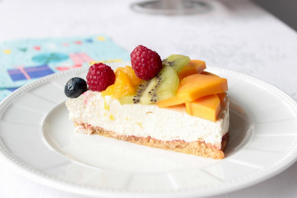 Kúsok tvarohovej ovocnej torty