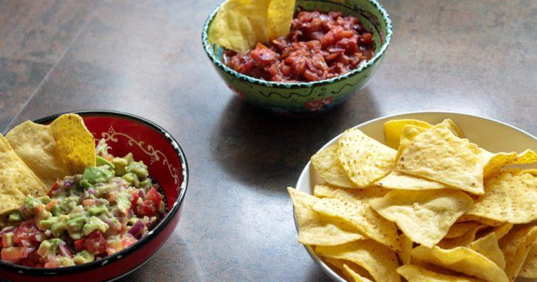 Chutné guacamole a čili paradajková salsa