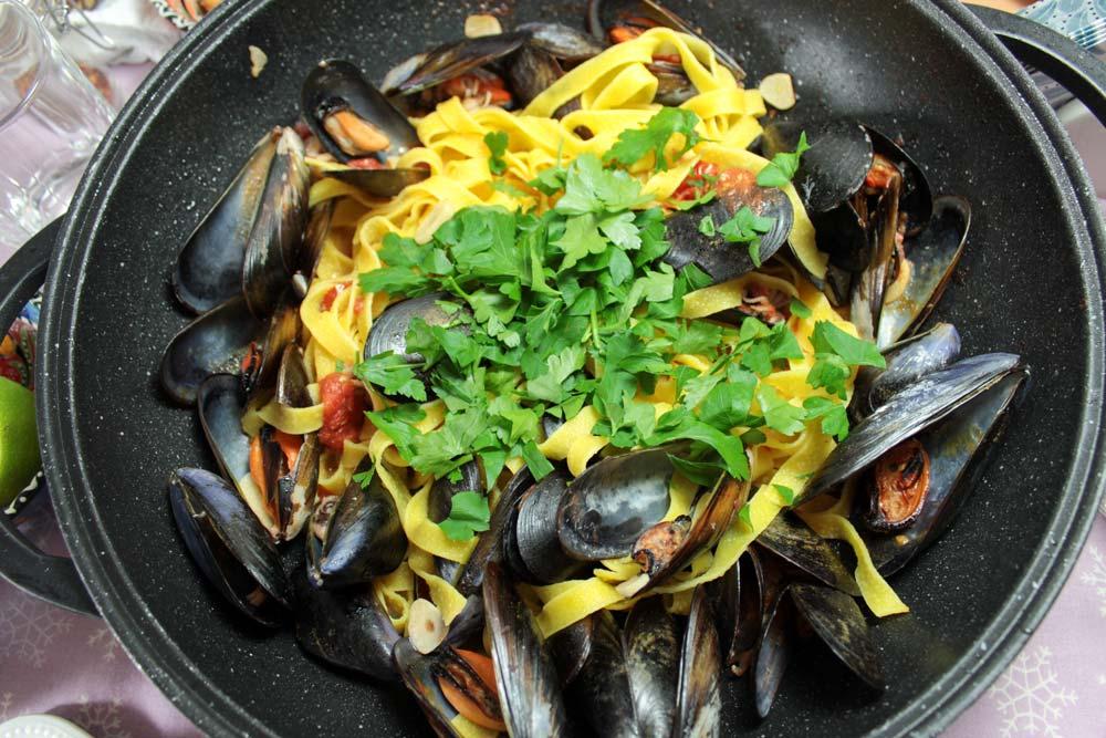 Tagliatelle s morskými plodmi a cherry paradajkami