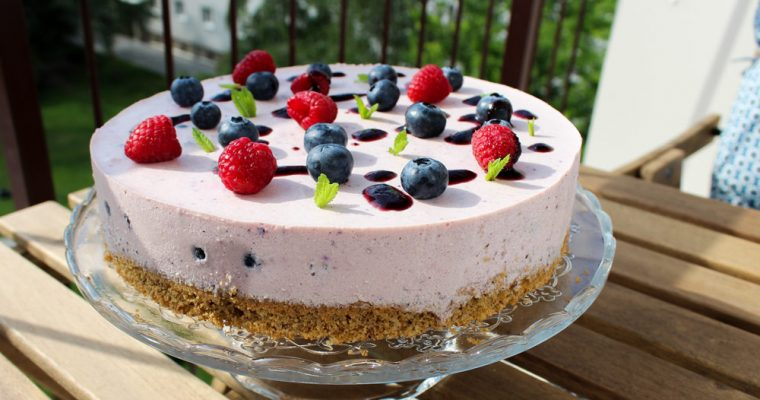 Svieža ovocná jogurtová torta z celozrnnej múky