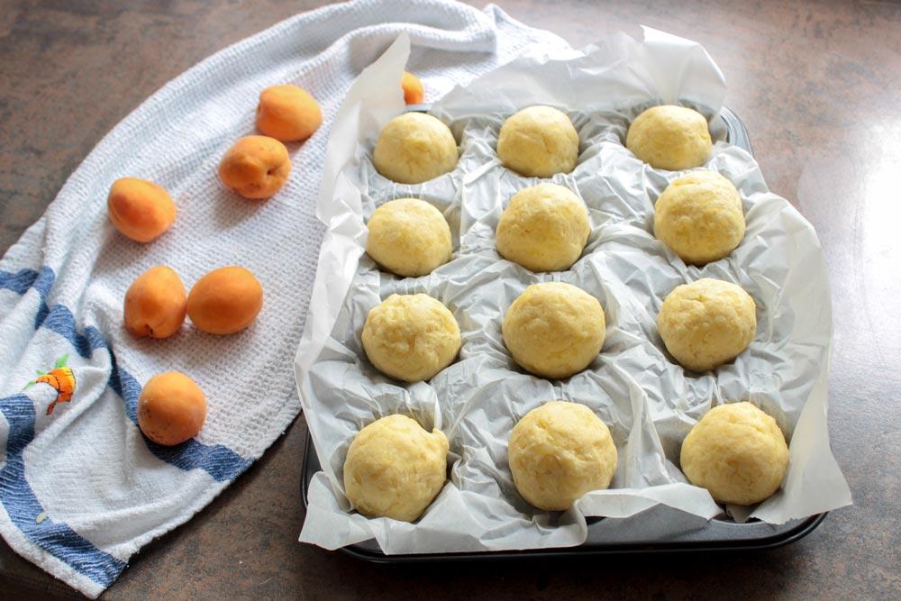 Ovocné guľky v zemiakovom cestíčku
