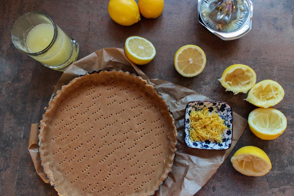 Cesto na tartu a citrónová šťava