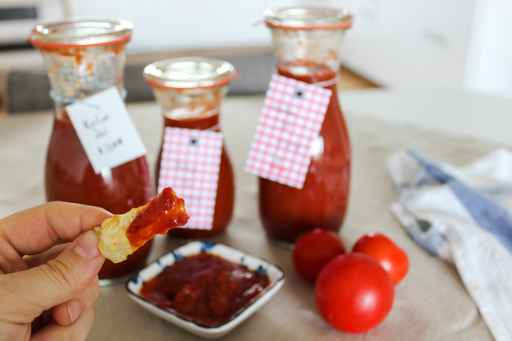 Home-made tomato ketchup