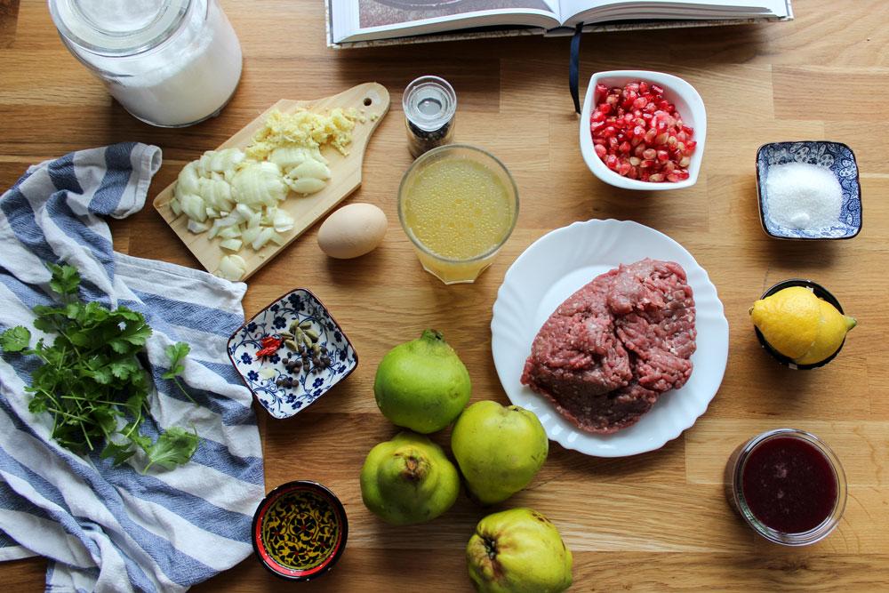 Teľacie mäso s dulami a granátovým jablkom